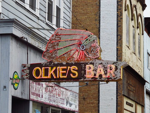 Olkie's Bar - 304 South Suffolk Street, Ironwood, Michigan U.S.A. - June 12, 2013