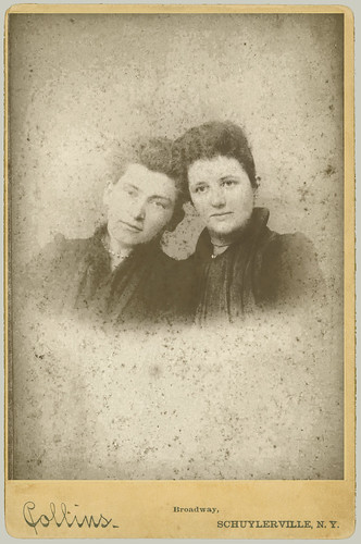 Cabinet Card two women