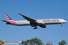 American 777-300 N726AN