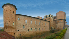 Piacenza – La cittadella e palazzo Farnese foto di Giovani