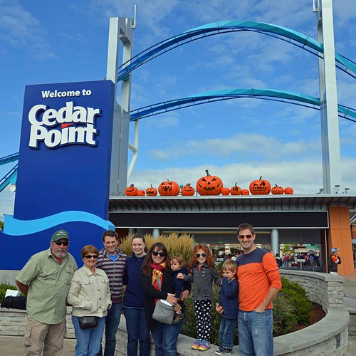 Three generations of coaster riders. So fun to be there with my whole family!! #iheartcp #bloggingatCP #halloweekends #cedarpoint #stevensonpartyoffive
