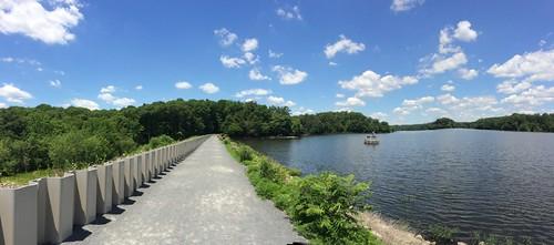 Burke Lake Park: Dam