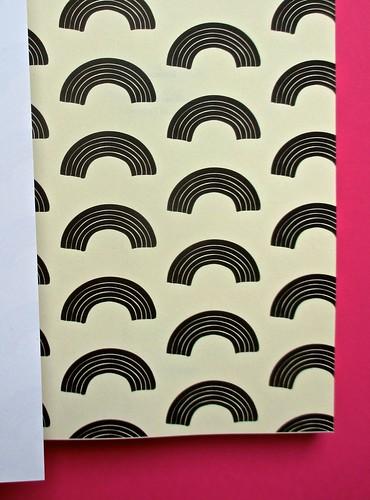 Romanzi, collana di Tunué edizioni. Progetto grafico di Tomomot; impaginazione di TunuéLab. Risvolto della copertina, carta di guardia [Barison] (part.), 1