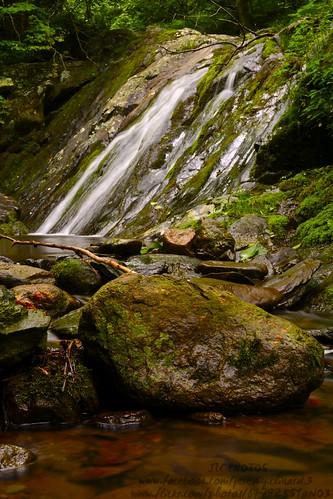 nature water rock waterfall nikon hiking parks hike shenandoah nationalparks shenandoahnationalpark jonesrun nikkor35mmf18 35mmnikkorlens nikond5200