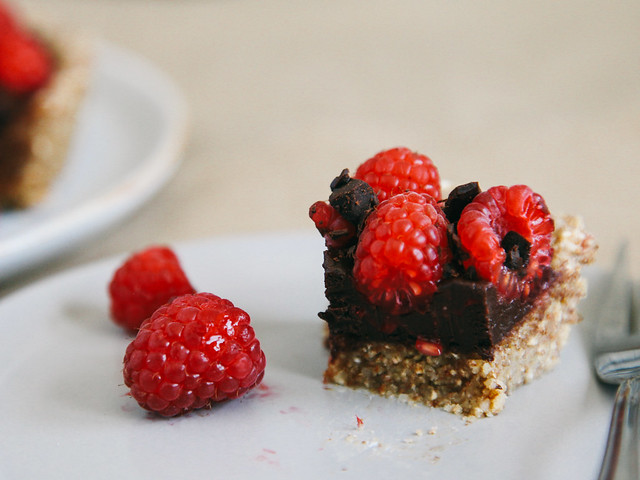 No-bake chocolate-raspberry tart