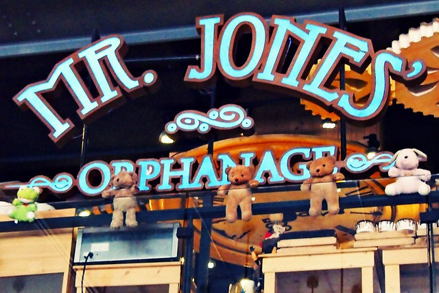 Mr. Jones' Orphanage - Bangkok - Siam Center