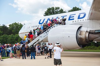 United Airlines Boeing 777 at Become a Pilot Day 2014