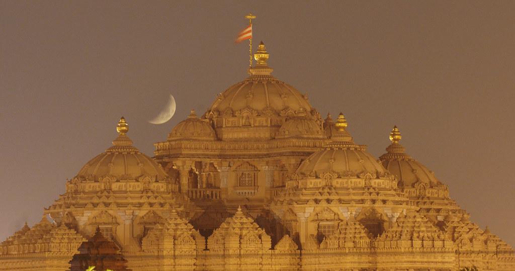 Moonset (Waxing Crescent) behind Akshardham Temple -New Delhi