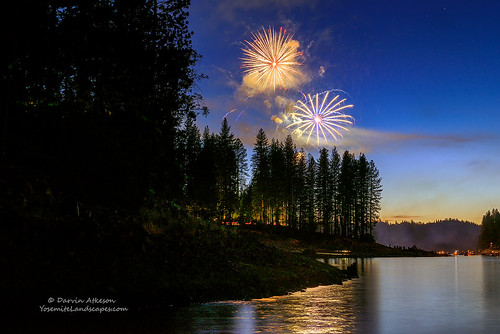california sky lake mountains america stars landscape fireworks smoke nevada shoreline 4th july headlights sierra resort celebration pines shore fourth theforks basslake starlight darvin millerslanding darv lynneal yosemitelandscapescom