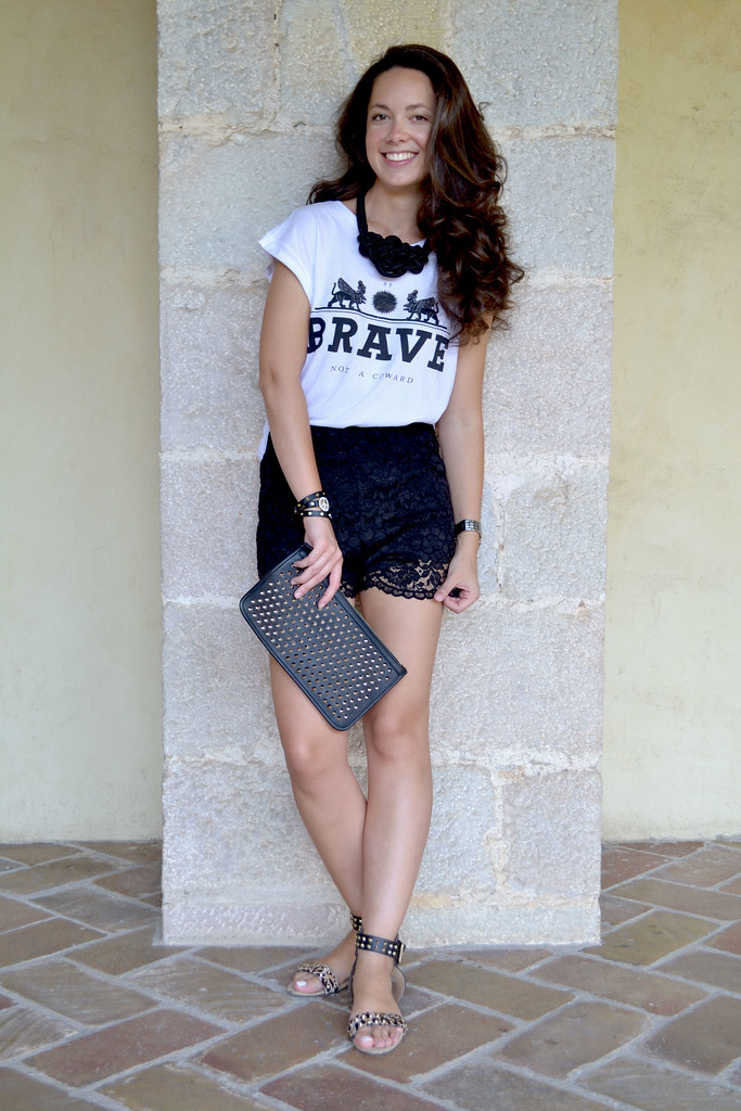 Shorts de encaje: ¿cómo combinarlos?