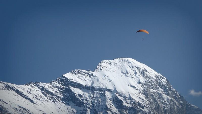 Grindelwald Eiger Gleitschirmflieger