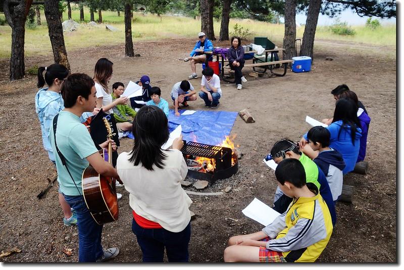 Campfire worship 4