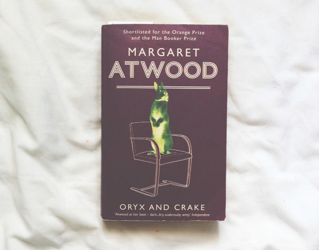 oryx and crake margaret atwood book review bees mini book reviews uk lifestyle book blogger