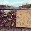 The love locks are killin' Pont des Arts