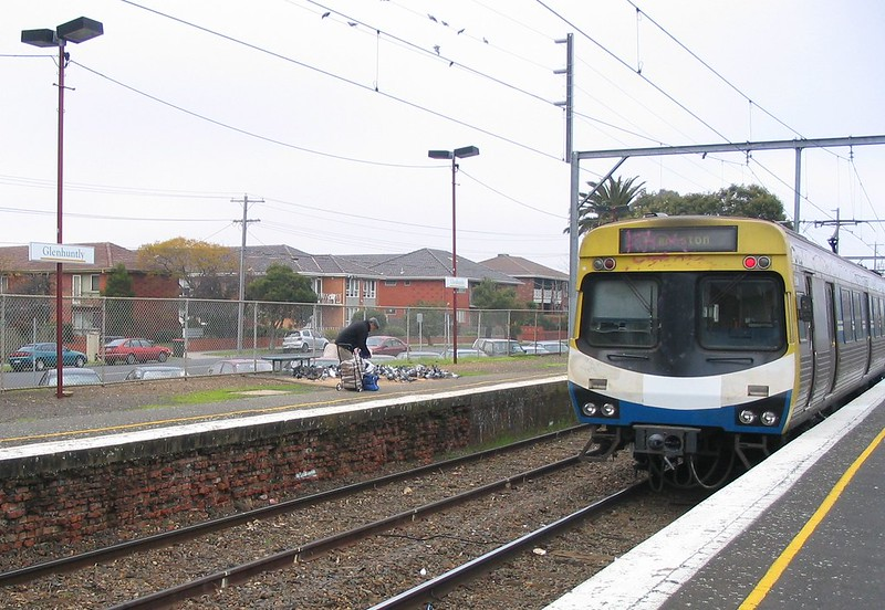 Glenhuntly station, August 2004