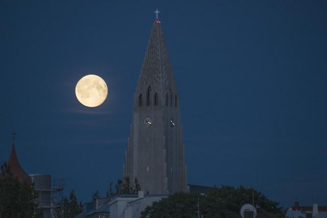 Supermoon in Reykjavik