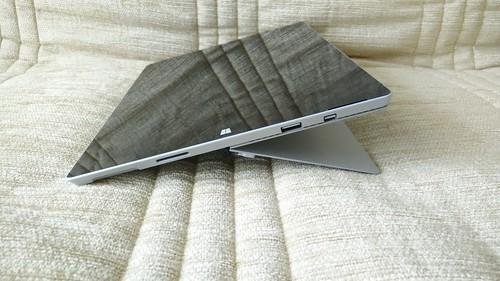 Kickstand ของ Microsoft Surface Pro 3 กางได้ถึงระดับนี้เลย