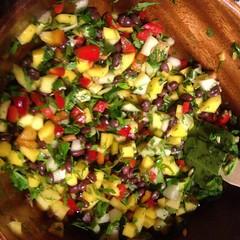 Southwest Quinoa Salad with Mango (Vegetarian Reci…