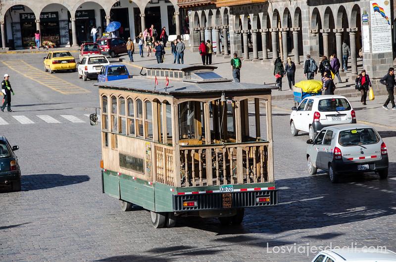 tranvía de la plaza de armas de Cuzco
