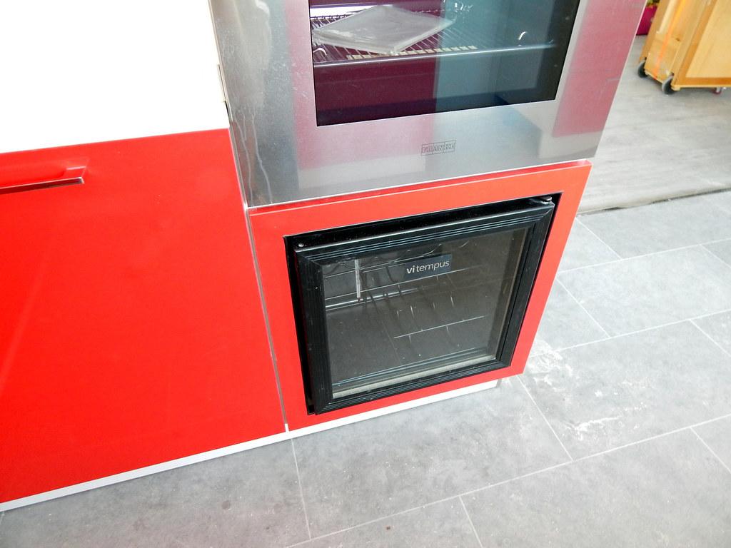 Muebles Vinoteca : Muebles de cocina modelo neo en rojo cocinasalemanas