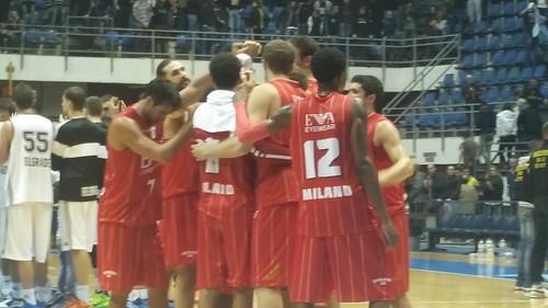 Tanti piccoli e Kleiza: 85-65 Olimpia a Belgrado