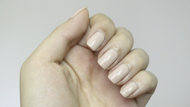 essie-topless-and-barefoot3