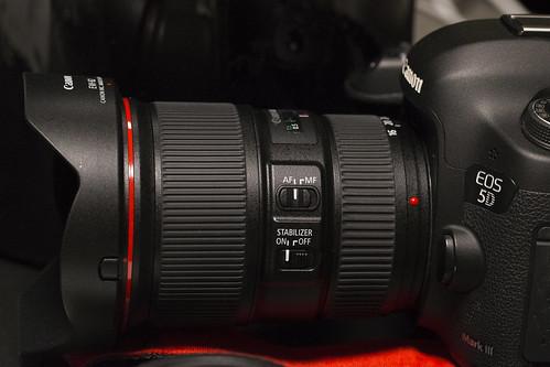 EF16-35mmF4L_01
