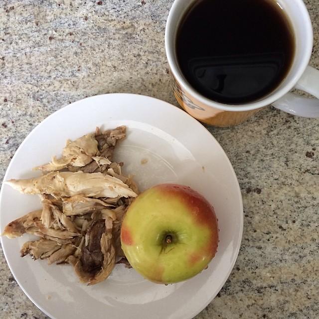 Day 9, #Whole30 - breakfast (leftover roast chicken, apple, black coffee)