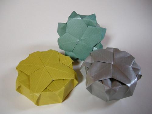 Compass rose tato-boxes
