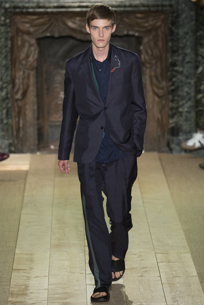 Adam Abraham3082_SS15 Paris Valentino(VOGUE)