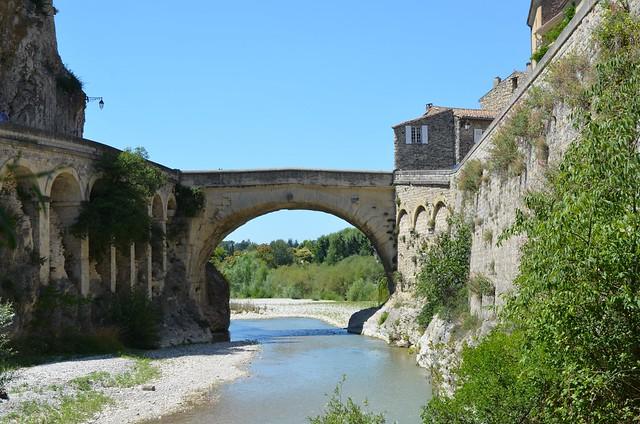 The 1st century AD Roman bridge of Vasio Vocontiorum, Vaison-la-Romaine