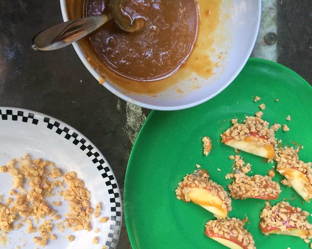 Caramel-Toffee Apples {Crockpot}