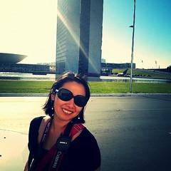 Hoje foi dia de tour fotográfico pelos principais pontos turísticos de Brasília e pôr do sol na lagoa na companhia de @josluzaff e @noellesilva. #100happydays #day32