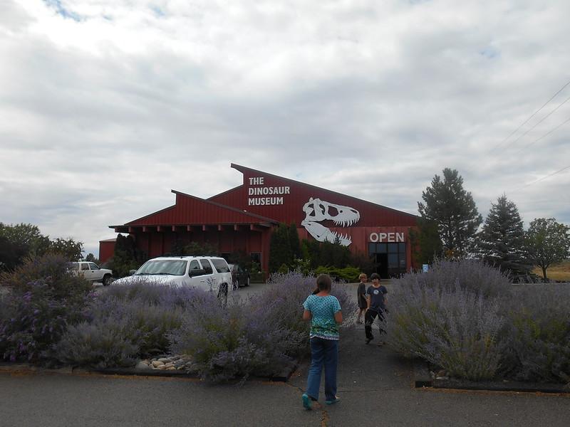 Dinosaur Museum, Blanidng, UT (2)
