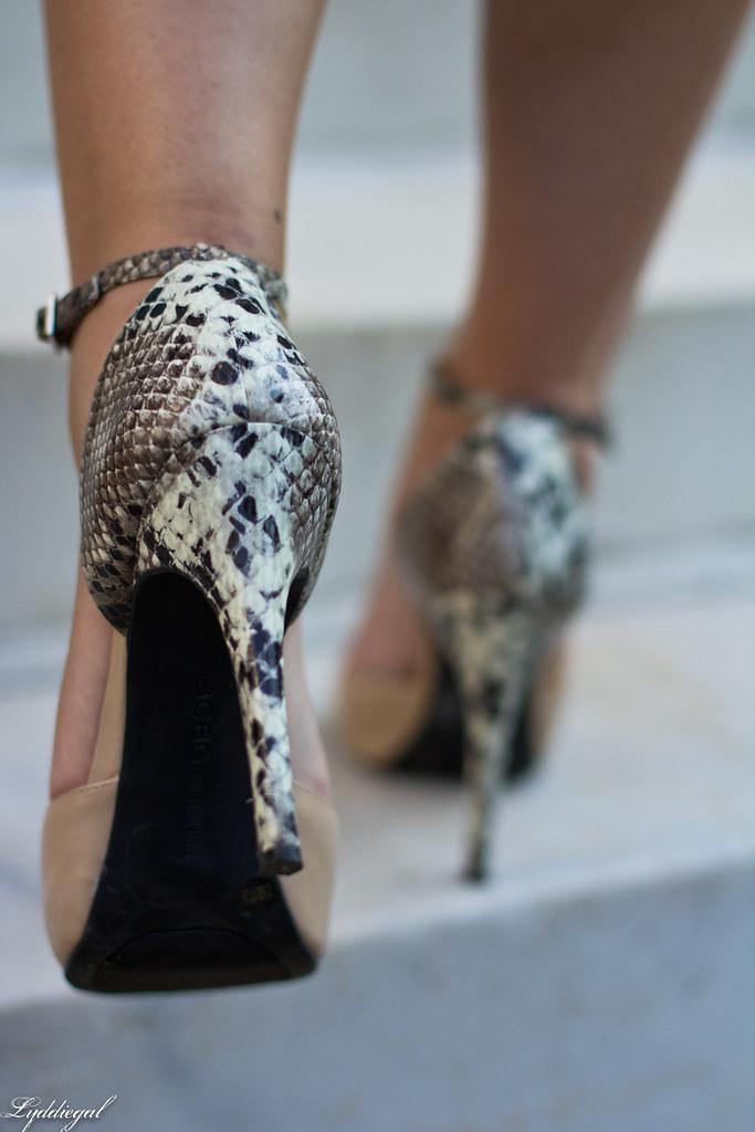 nude and snake heels.jpg