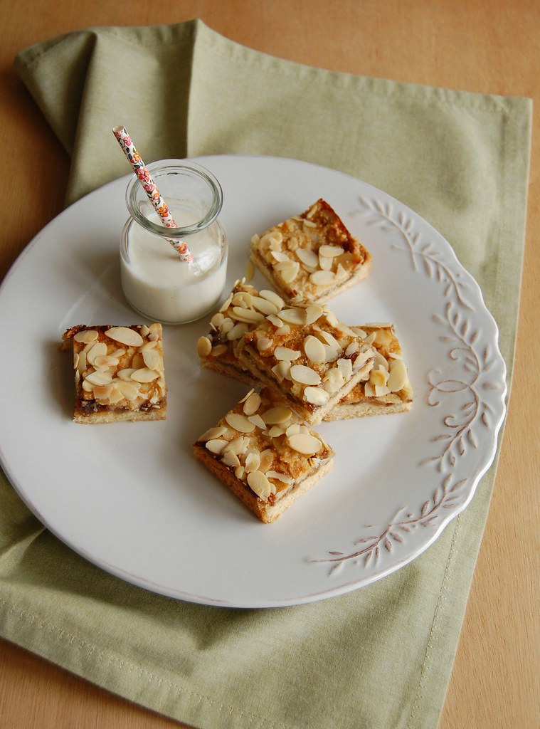 Fig, ginger and almond bars / Barrinhas de geleia de figo, gengibre e amêndoa