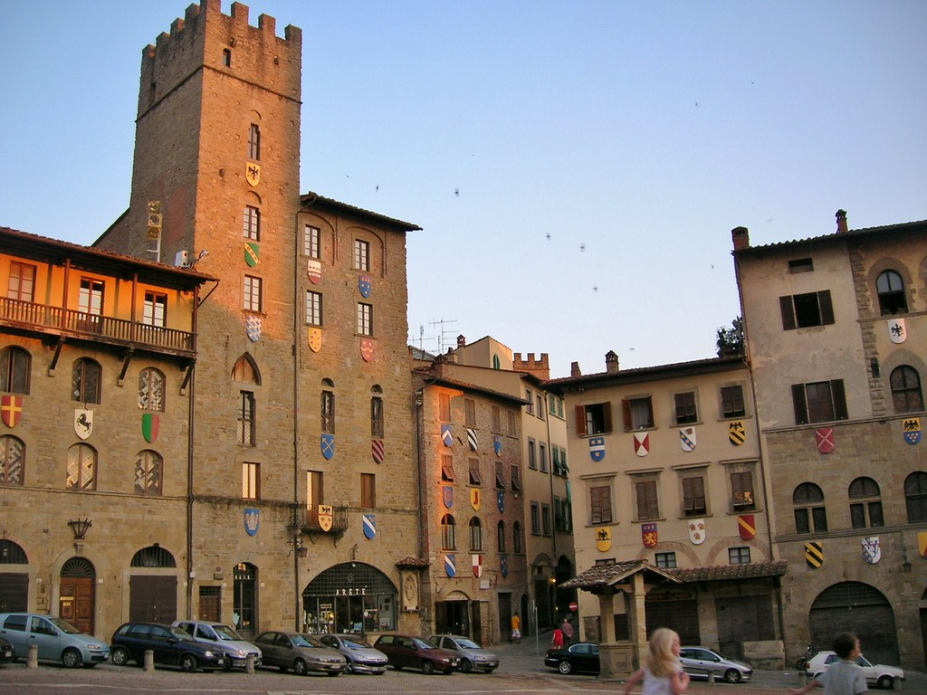 Arezzo – Far from the madding crowd - Alvinology