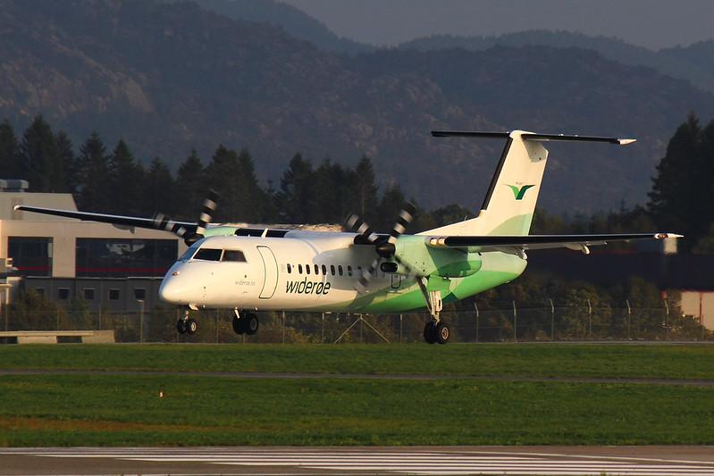 Wideroe - DH8C - LN-WFH (1)