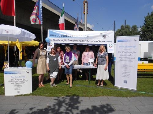 CSD Düsseldorf 2014 Gendertreff Stand 002