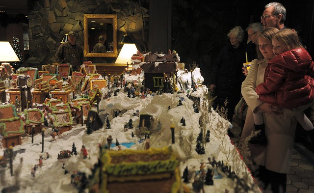 Young and old enjoy the snowy Gingerbread Town for Christmas, everyone is a child, hotel ...