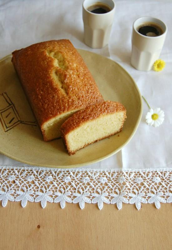 Orange olive oil pound cake / Bolo de azeite de oliva e laranja