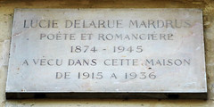 Photo of Lucie Delarue Mardrus grey plaque