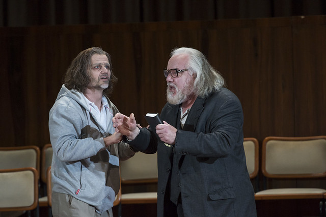 Rainer Trost as Aron and John Tomlinson as Moses in Moses und Aron © Bill Cooper 2014