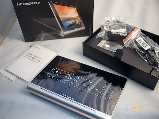 Yoga tablet unboxing