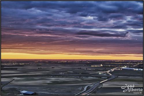 azul nikon carretera cielo nubes campos horizonte dorados purpuras josealberto d7000