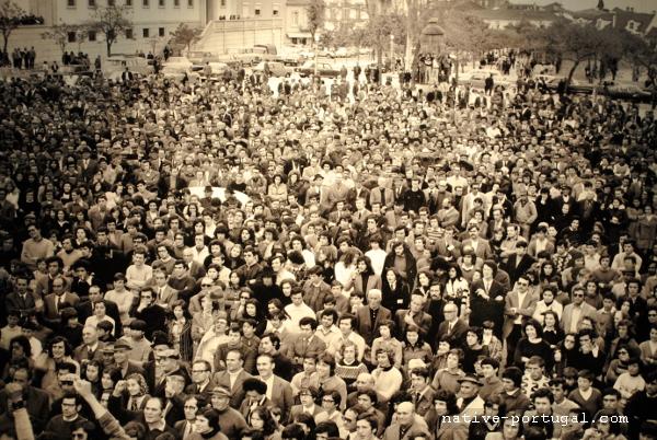 13 - 25 апреля 1974 года - революция гвоздик в Португалии - Каштелу Бранку