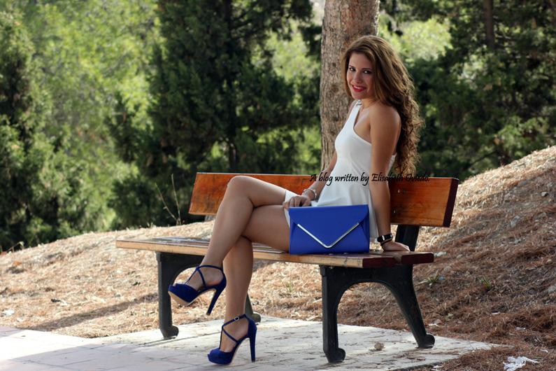 vestido-blanco-peplum-y-tacones-azules-marypaz-HEELSANDROSES-(1)