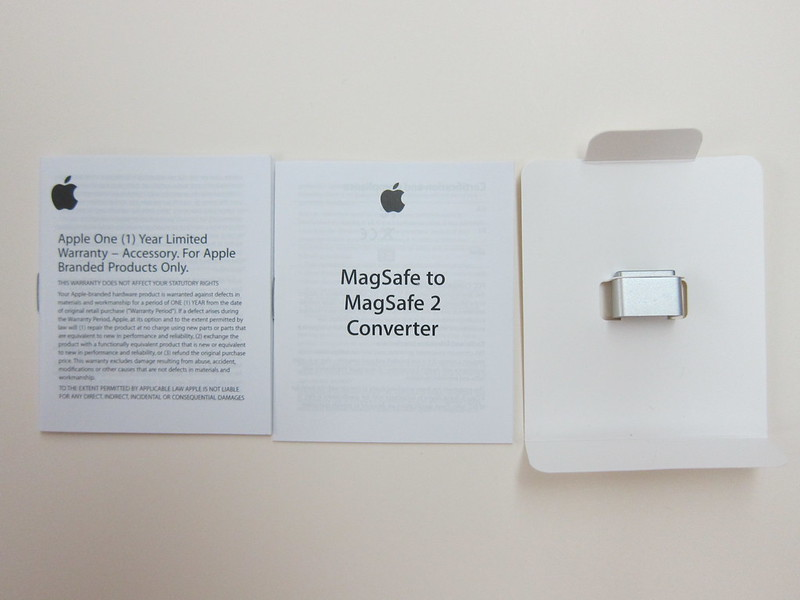 Apple MagSafe to MagSafe 2 Converter - Box Contents
