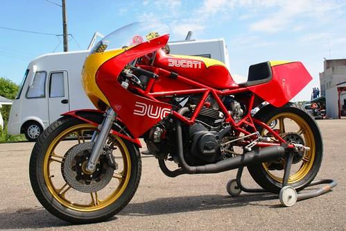 La Ducati TT de Guy Ravanello retournerait bien faire quelques tours de piste !