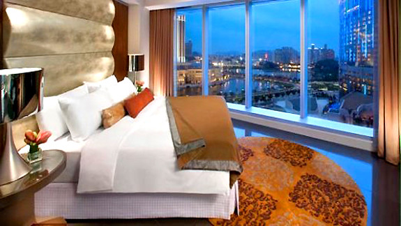 Hard Rock Hotel Corner Suite bed